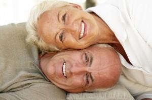 Abuelos sonriendo