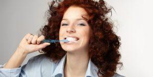 Cepillado Dental Mujer